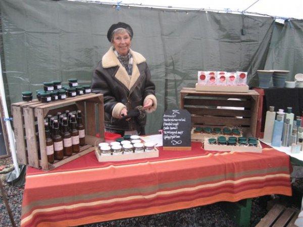 Mamma Gittan, säljer vår saft & marmelad